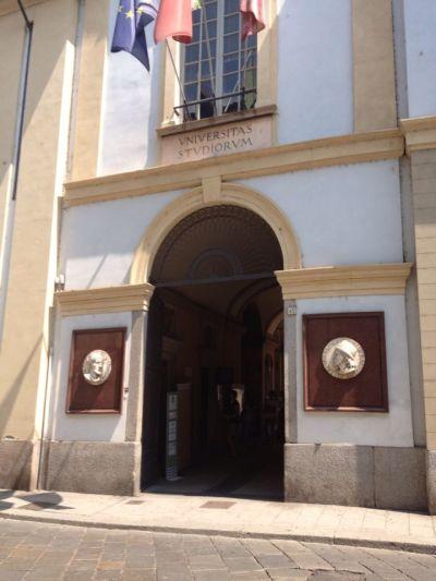 Ingresso principale Università di Pavia
