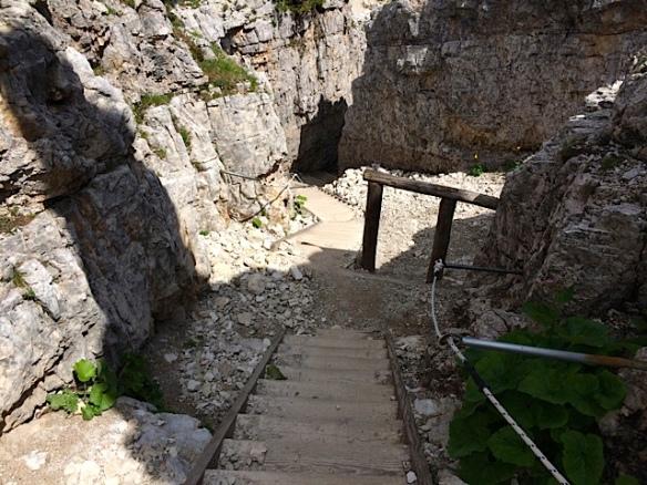 Sentiero di collegamento alle postazioni - Cinque Torri (Ma Bohème - foto by Primula)