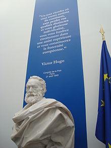 Busto di V. Hugo all'Assemblée Nationale e un estratto del suo discorso del 1849
